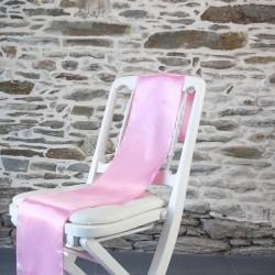 Optez pour ce noeud satin rose pour réaliser un superbe noeud de chaise pour votre mariage