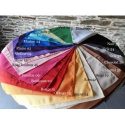 100% polyester, nappe et serviette se déclinent en couleurs chez Anne-c