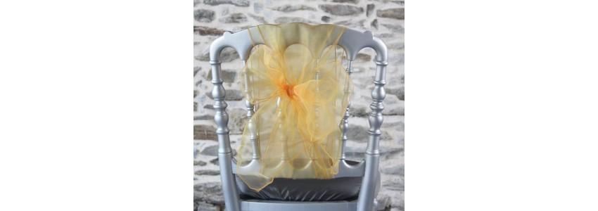 Nœud de chaise organza ; un ceinturage pour une décoration colorée